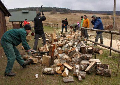 Prace przy drewnie w Zyndranowej